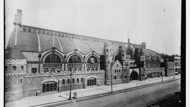 star-crossed-the-colorful-history-of-the-chicago-coliseum