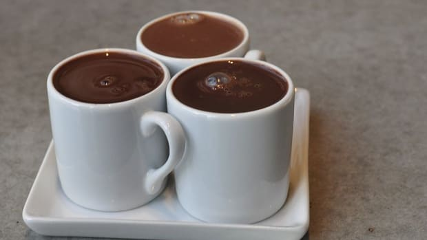 delicious-skinny-hot-chocolate-with-stevia-just-20-calories