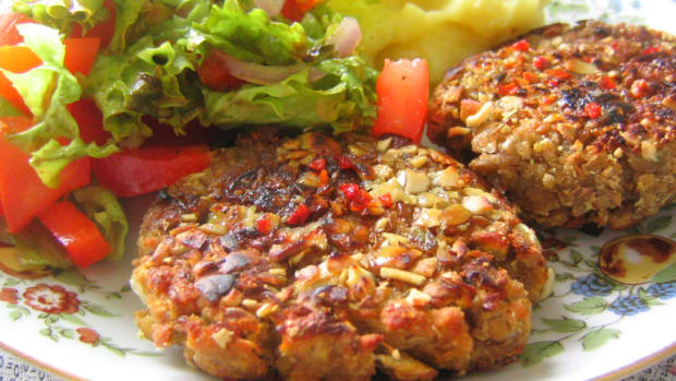 oatmeal-and-parsley-burgers-delicious