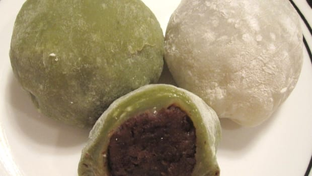 sweet-rice-cakes-filled-with-red-bean-paste