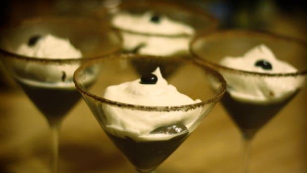 how-to-make-pudding-shots-a-vegetarian-alternative-to-jell-o-shots