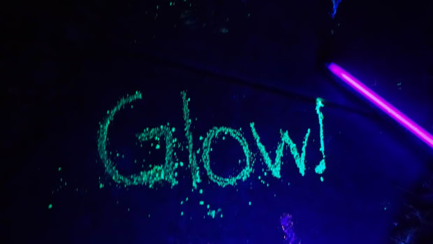 how-to-make-glow-in-the-dark-chalk