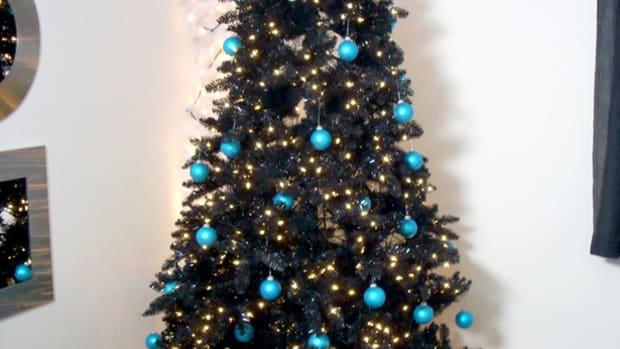 do-christmas-trees-go-on-sale-black-friday