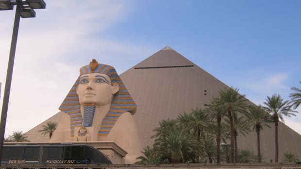 is-the-titanic-exhibition-at-the-luxor-hotel-in-las-vegas-haunted