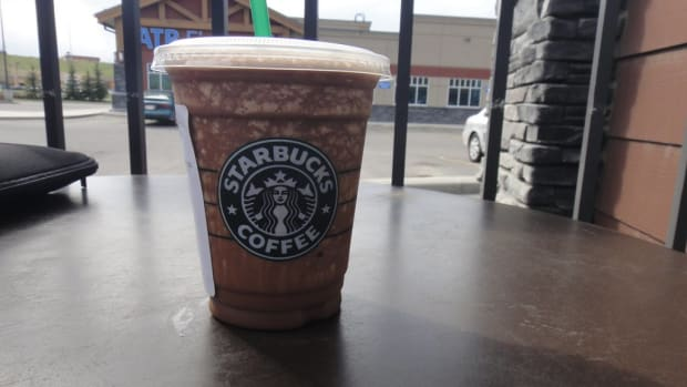 simple-and-easy-starbucks-double-chocolaty-chip-frappuccino-recipe