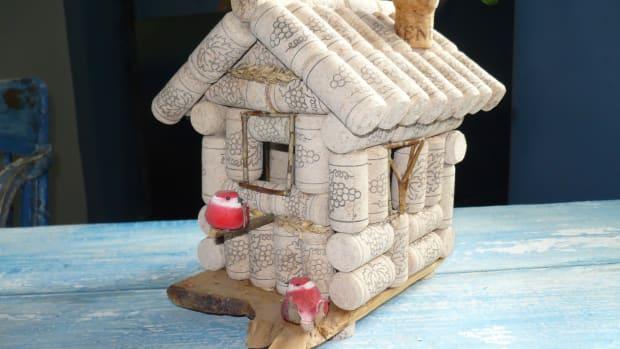 wine-bottle-cork-crafts-how-to-build-a-wine-cork-birdhouse