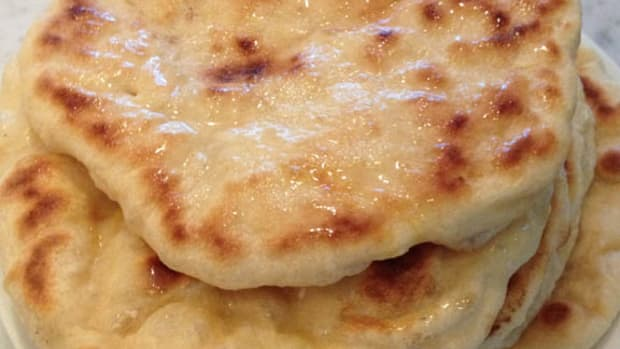 skillet-made-naan-an-easy-recipe-for-an-indian-cuisine-staple