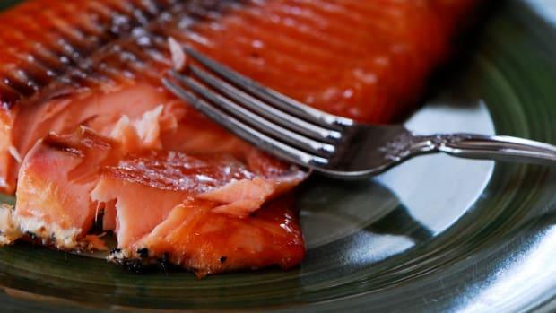 smoked-salmon-on-the-big-green-egg-kamado-smoking