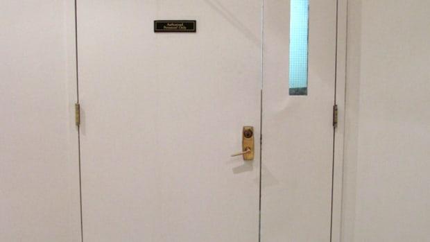 how-to-lock-an-uneven-pair-of-doors