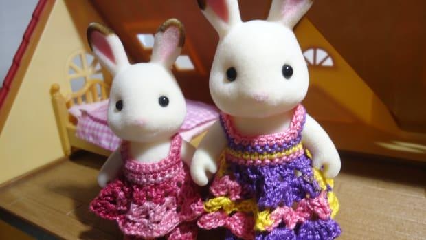 sylvanian-families-shell-stitched-dress-free-crochet-pattern