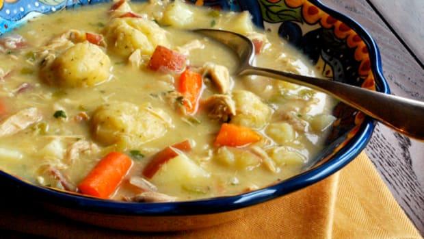 slow-cooker-chicken-and-dumplins