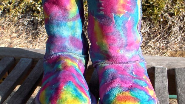 how-to-tie-dye-ugg-boots