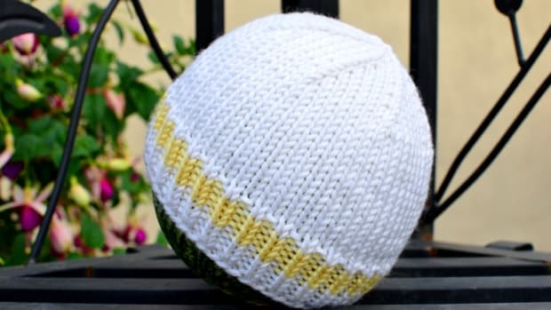 easy-and-basic-baby-hat-free-knitting-pattern-with-how-to-knit-videos