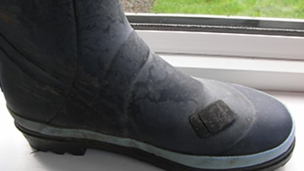 how-to-repair-split-wellies