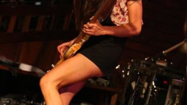 the-top-ten-female-bassists