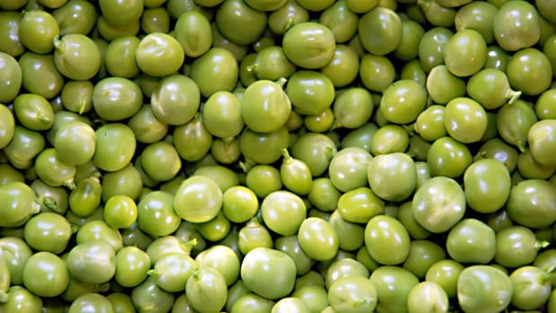 green-peas-nutrition-interesting-facts-and-a-poem