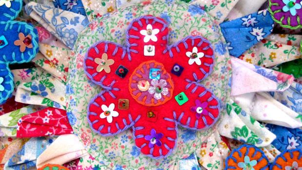 making-felt-flowers