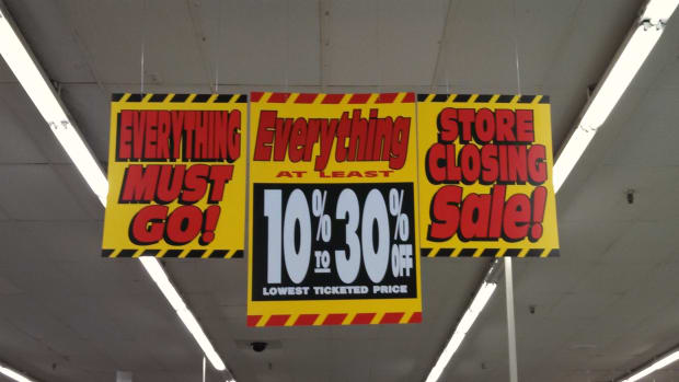 find-bargains-at-store-closing-and-going-out-of-business-sales