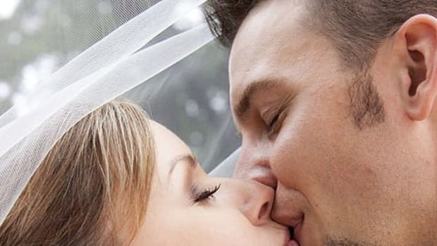 10-tips-for-kissing-which-will-leave-your-partner-stunned