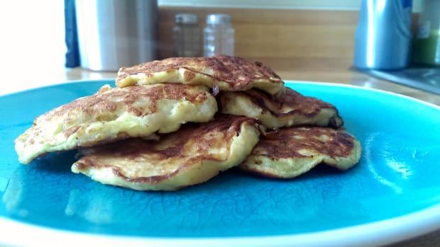 healthy-clean-eating-3-ingredient-banana-pankcakes