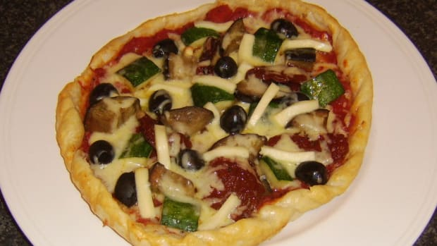 puff-pastry-pizza-mediterranean-vegetables