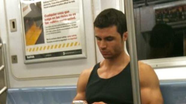 five-hot-train-guys-best-trains-in-chicago-to-meet-super-hot-men