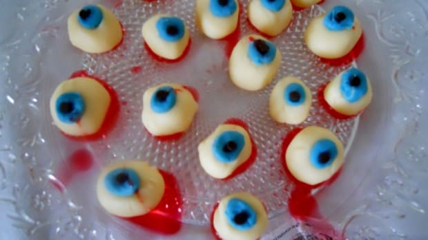 white-chocolate-eyeballs