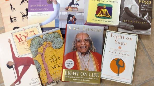 iyengar-yoga-books