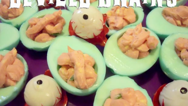 halloween-party-food-zombie-brains-deviled-eggs