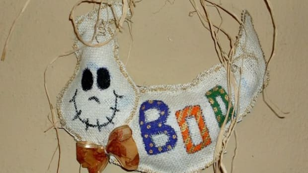 halloween-burlap-door-hanger