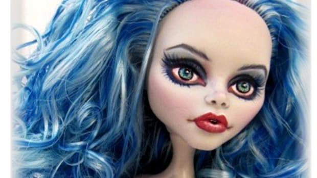 how-to-curl-doll-hair-learn-to-boil-perm-your-barbie-or-monster-high-dolls-hair