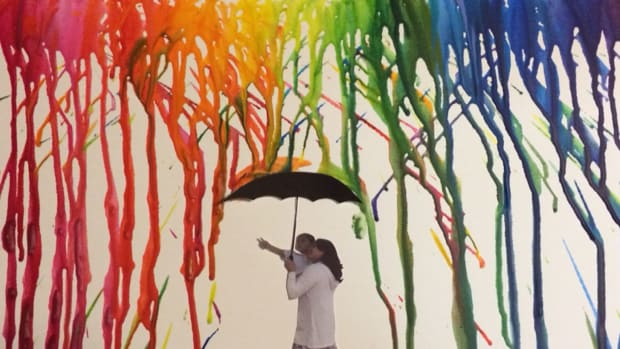 how-to-make-your-own-personalized-crayon-art
