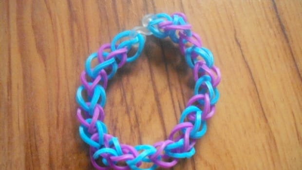 how-to-make-a-loom-band-bracelet-without-a-loom