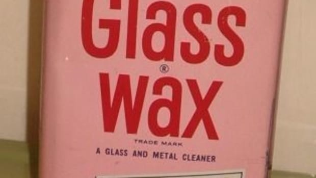 decorate-your-windows-with-glass-wax-and-stencils