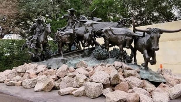 texas-legacy-sculpture-among-others-at-astrodome
