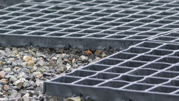 dog-kennel-floors