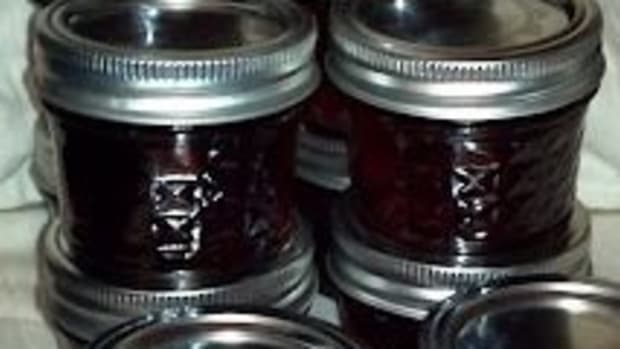 homemade-basil-grape-jelly