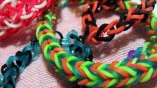 how-to-make-rainbow-loom-bracelets-without-loom