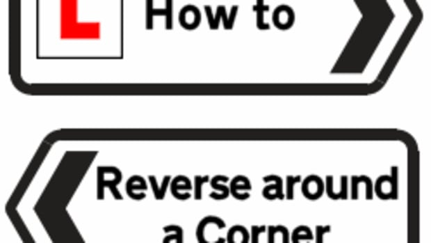 how-to-reverse-around-a-corner