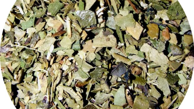 Yerba mate comes as bunch of very small pieces, much like fannings in low-quality tea. The bits are varying colors of green, tan and brown.