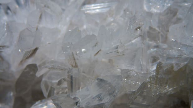 the-power-of-selenite-crystals-metaphysical-and-spiritual-properties