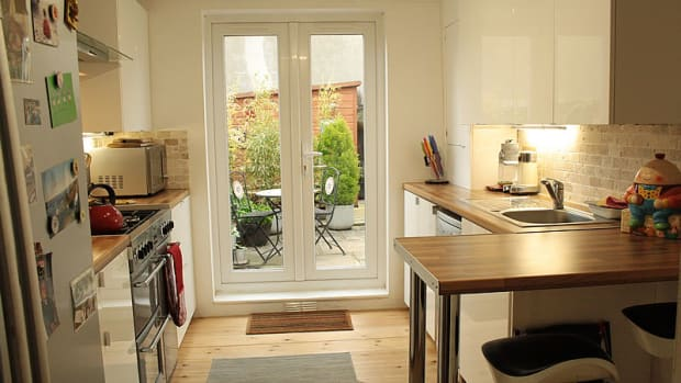 kitchen-remodelling-from-basic-design-to-small-scale-luxury