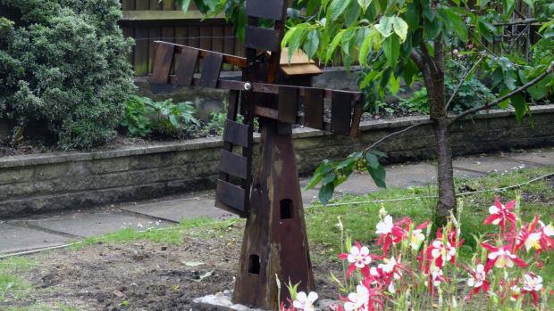 renovate-garden-windmill