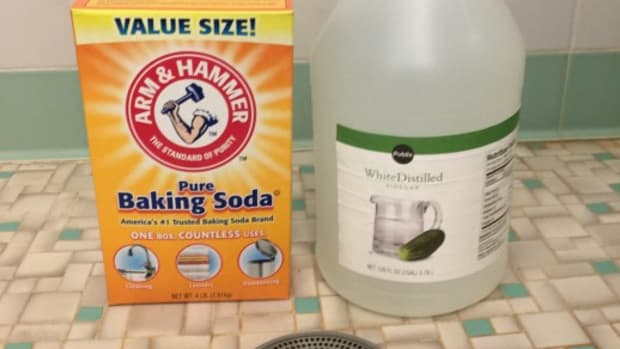 homemade-drain-cleaners-that-are-natural-and-nontoxic