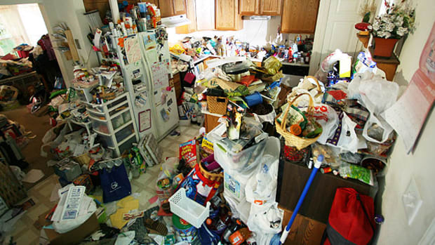 are-hoarders-narcissists