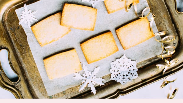 shortbread-biscuits-or-cookies-a-traditional-christmas-treat