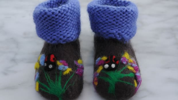 how-to-wet-felt-baby-booties-a-wet-felting-tutorial