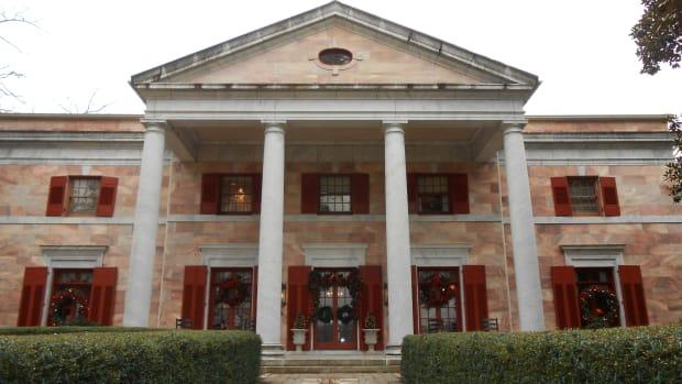 christmas-tour-of-the-tate-house-in-tate-georgia