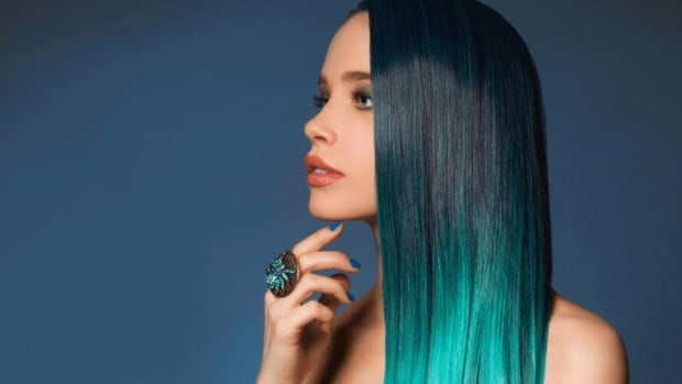 how-to-dye-blue-hair