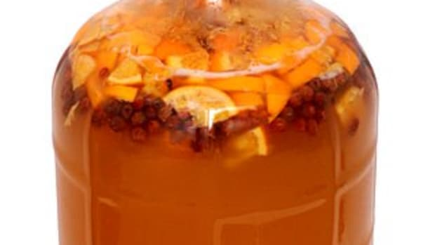 make-your-own-mead-with-5-ingrediants